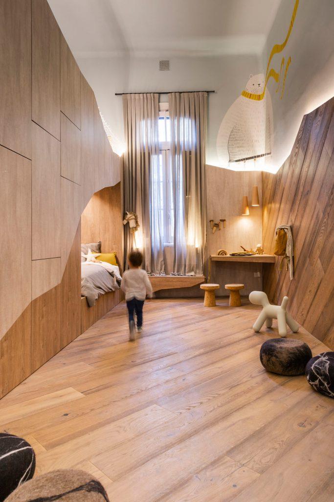 Фото Ламинат на полу и стенах в детскую для статьи