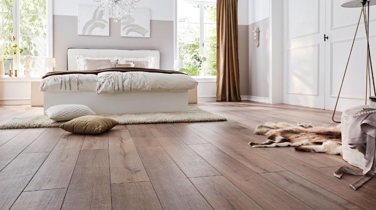 фото Swiss Krono ламинат коричневый